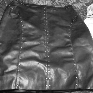 Final $ Drop* leather pencil skirt w/studs